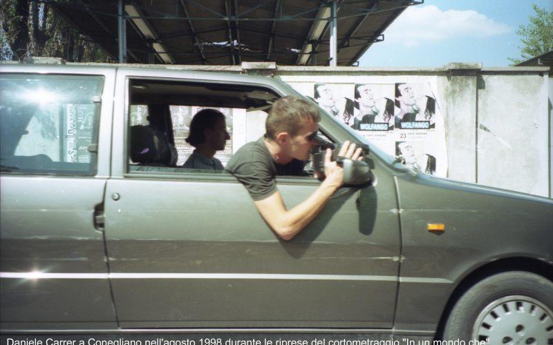 """Daniele Carrer a Conegliano nell'agosto 1998 durante le riprese del cortometraggio """"In un mondo che""""."""